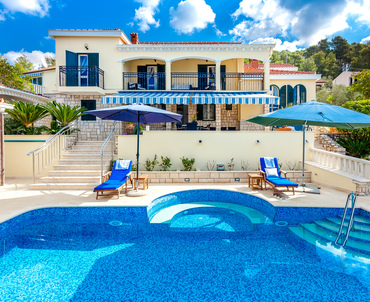 Luxurious villa Dionysus with pool